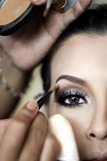 MAKE UP OUTSTANDING-6