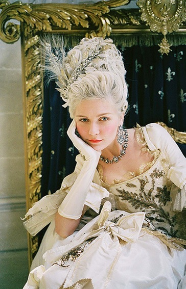 Antoinette Fashion Movie-15