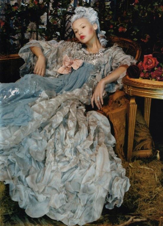 Antoinette Fashion Movie-2
