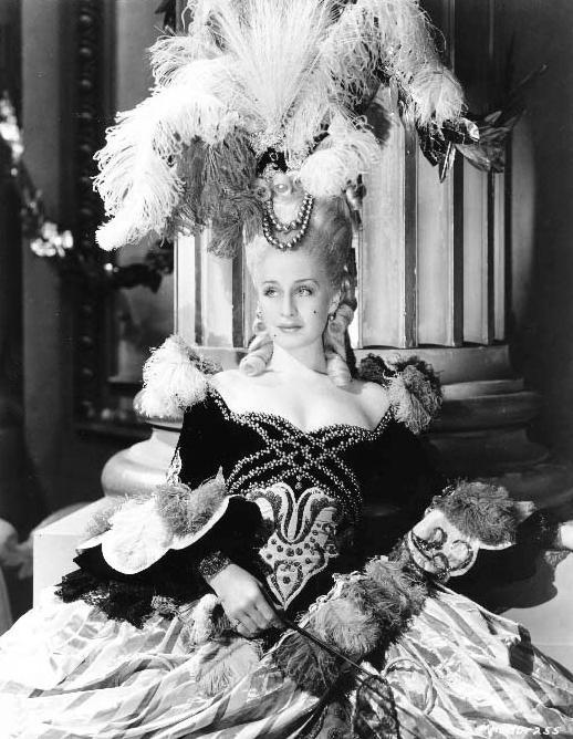 Antoinette Fashion Movie-24