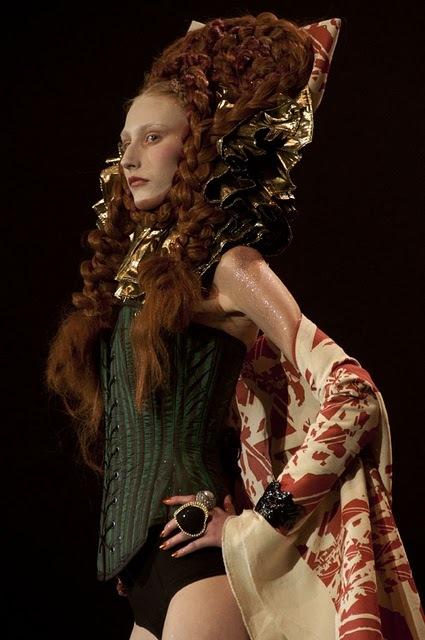 Antoinette Fashion Movie-36