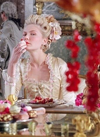 Antoinette Fashion Movie-47