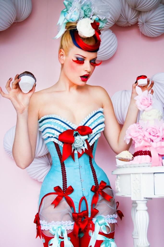 Antoinette Fashion Movie-49